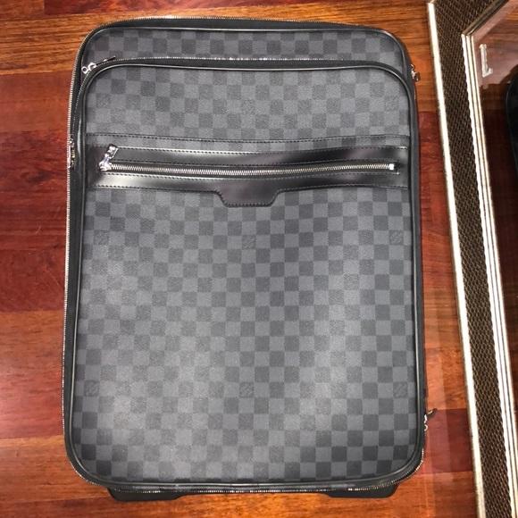 734f292d6 Louis Vuitton Handbags - Louis Vuitton Damier Graphite Pegase 55